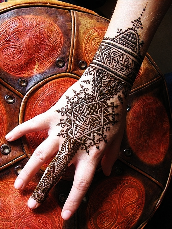 Beautiful Mehndi Designs (20)