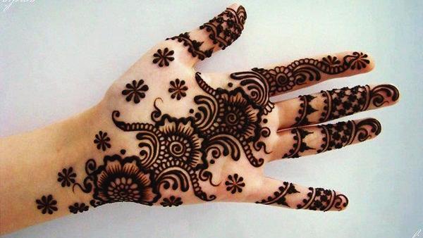 Beautiful Mehndi Designs (42)