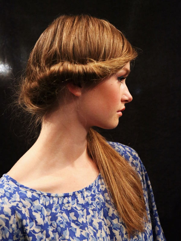 Attractive Side Ponytail Hairstyles for Girls (26)