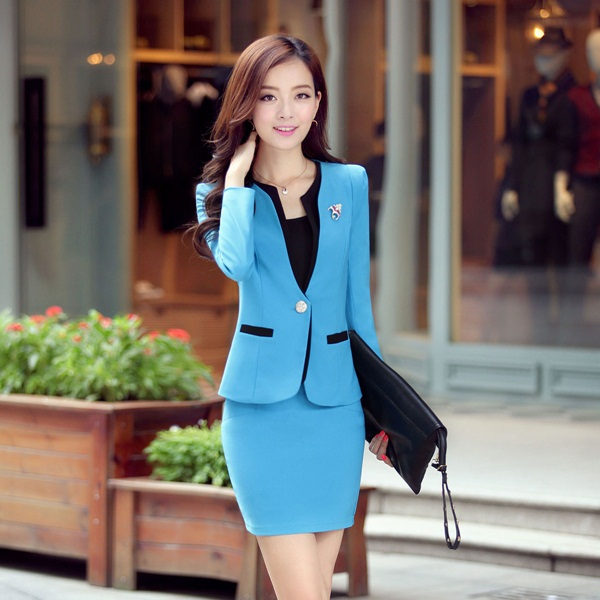 55 Trendy Business Women in Formal Dresses