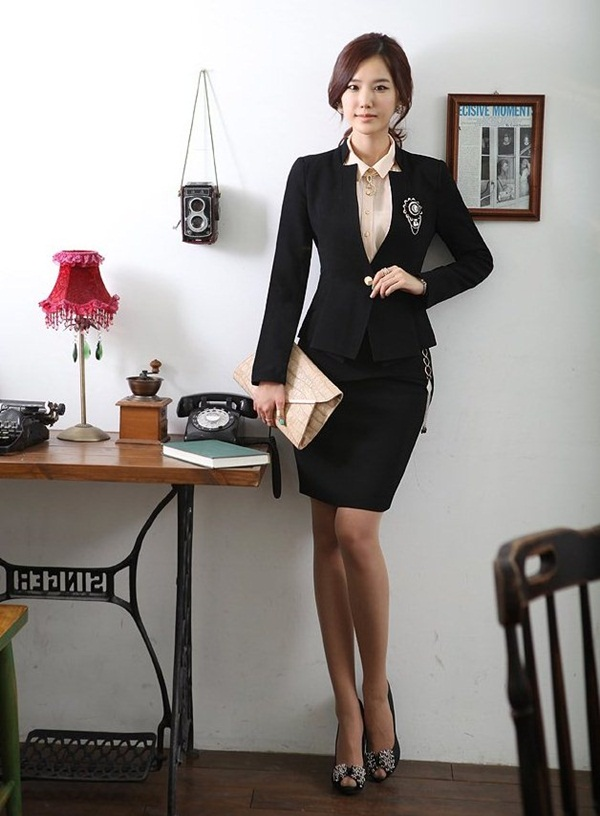 Business Women in Formal Dresses (34)
