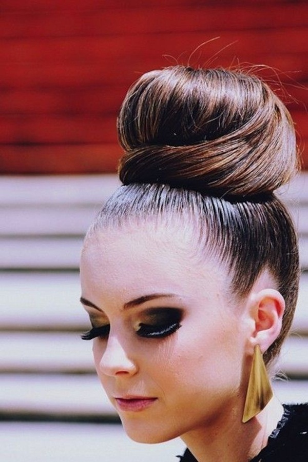Easy Bun Hairstyles for Women (10)
