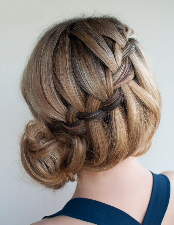 Easy Bun Hairstyles for Women (12)