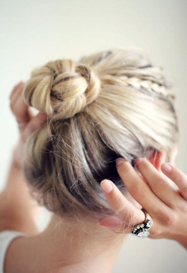 Easy Bun Hairstyles for Women (18)