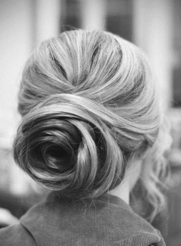 Easy Bun Hairstyles for Women (21)