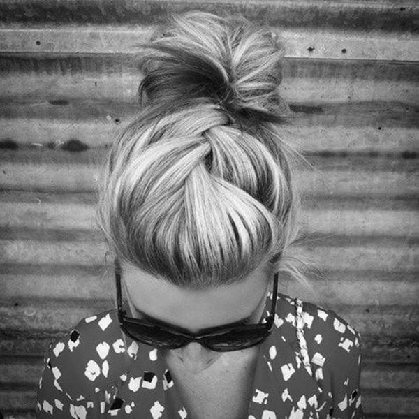 Easy Bun Hairstyles for Women (26)