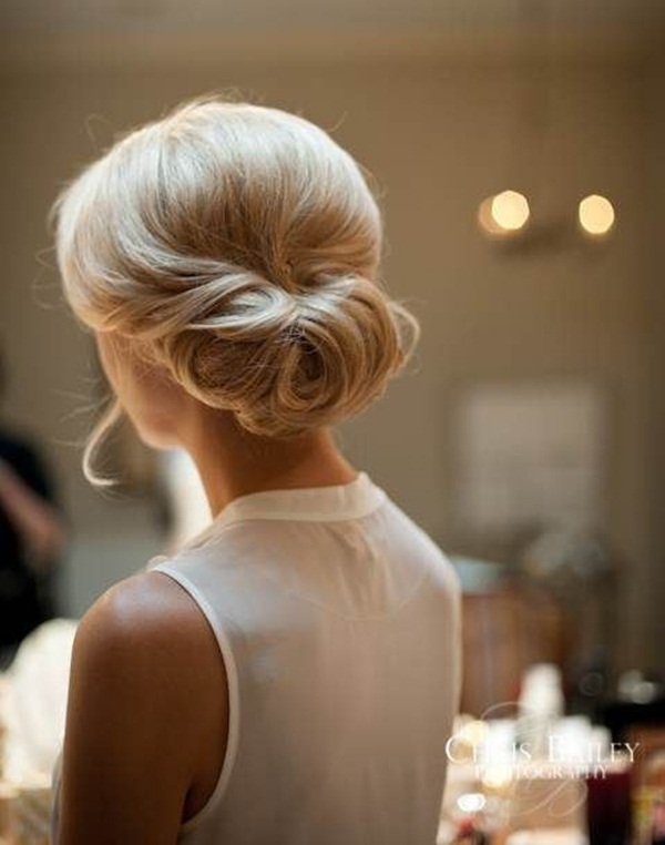 Easy Bun Hairstyles for Women (7)