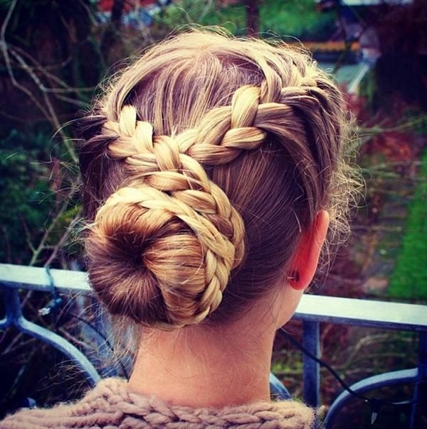 Easy Bun Hairstyles for Women (9)