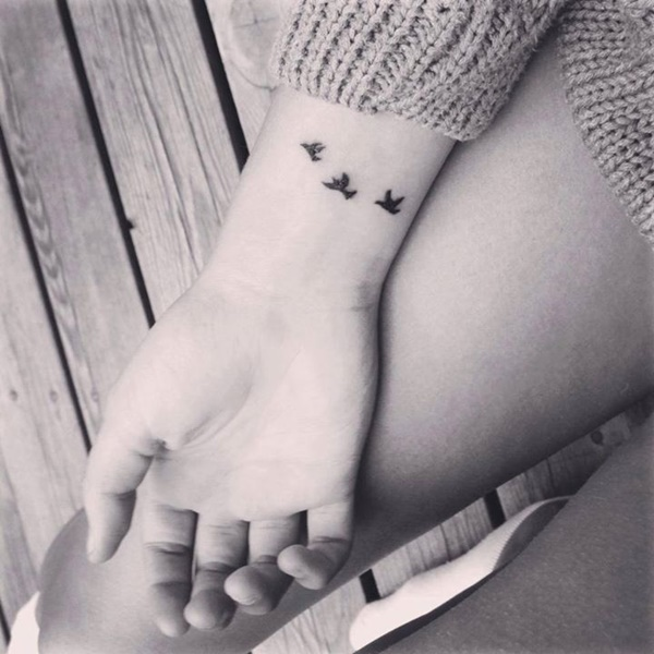 Pretty Small Tattoo Designs for Girls8
