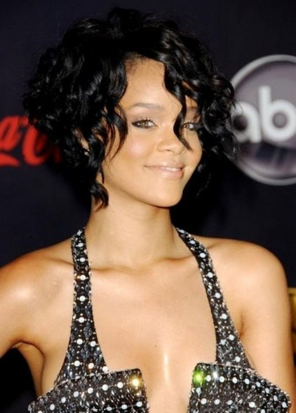 Short Curly Hairstyles for Black Woman (14)