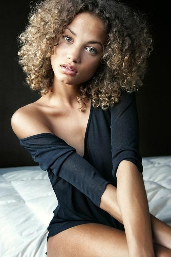 Short Curly Hairstyles for Black Woman (18)