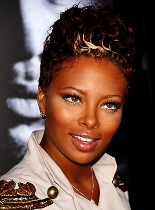 Short Curly Hairstyles for Black Woman (39)