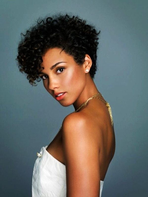 Short Curly Hairstyles for Black Woman (43)