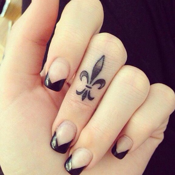 Small Tattoo Designs for Girls (10)
