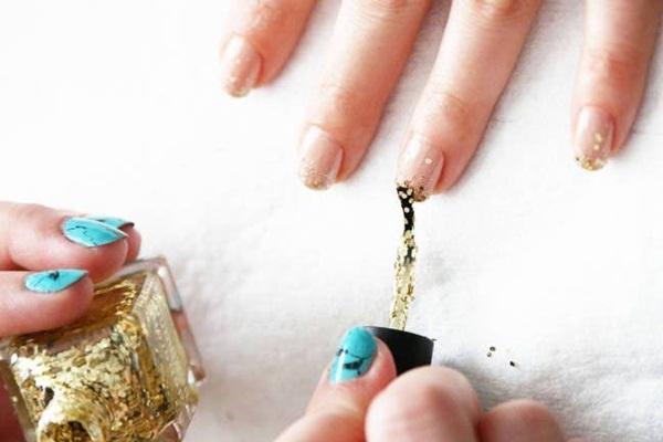 Simple Glitter Nail Art designs41