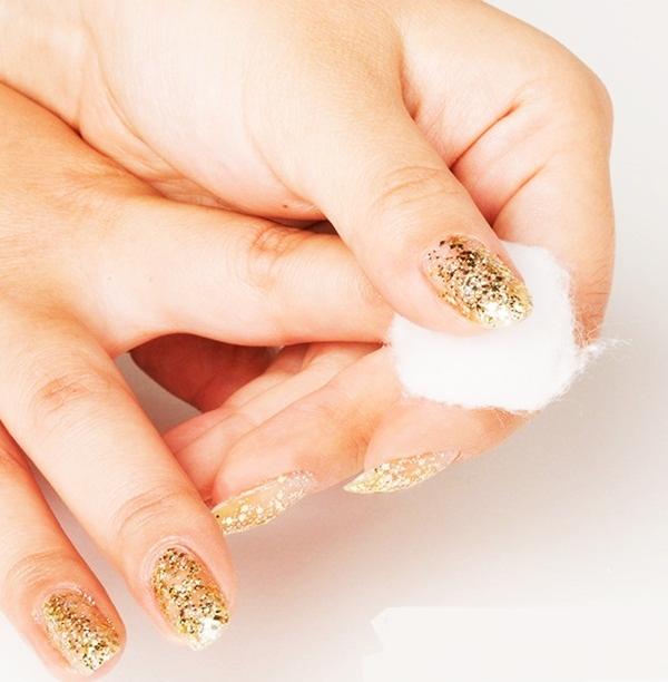 Simple Glitter Nail Art designs43