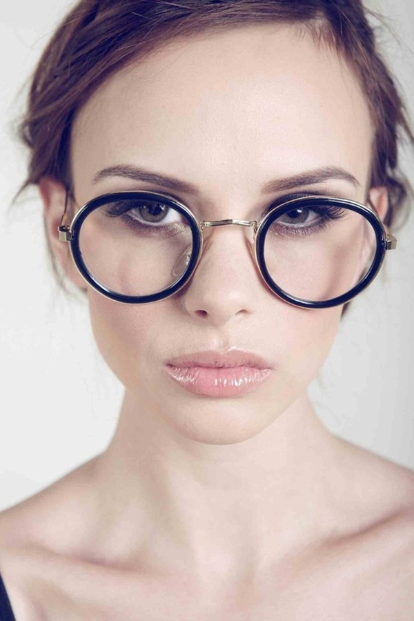 Women with Glasses (20)