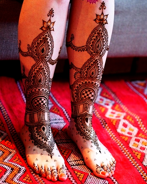 Simple Mehandi Designs for Legs6
