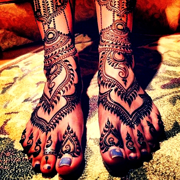 Simple Mehandi Designs for Legs9.1