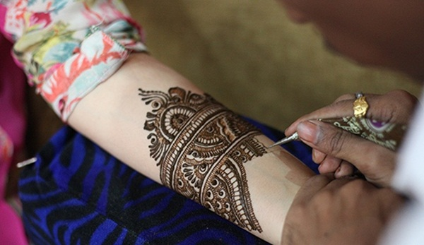 Easy Tips to Apply Mehandi Beautifully4