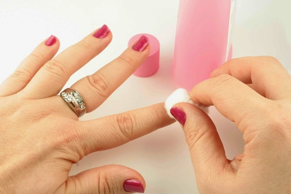How to do Manicure at Home2