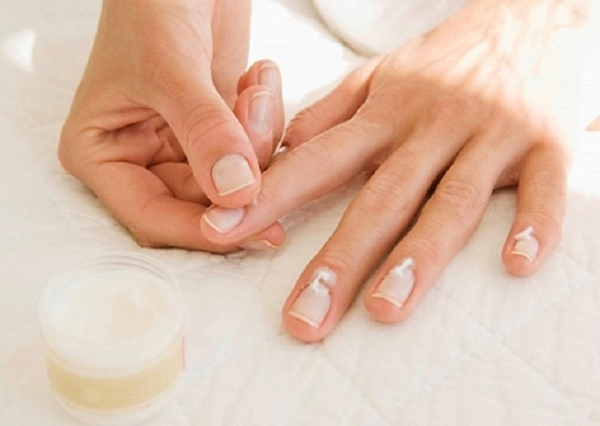 How to do Manicure at Home7