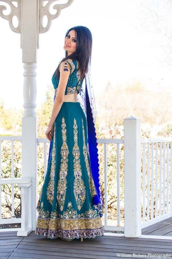 Elegant Indian Dresses and Outfits34