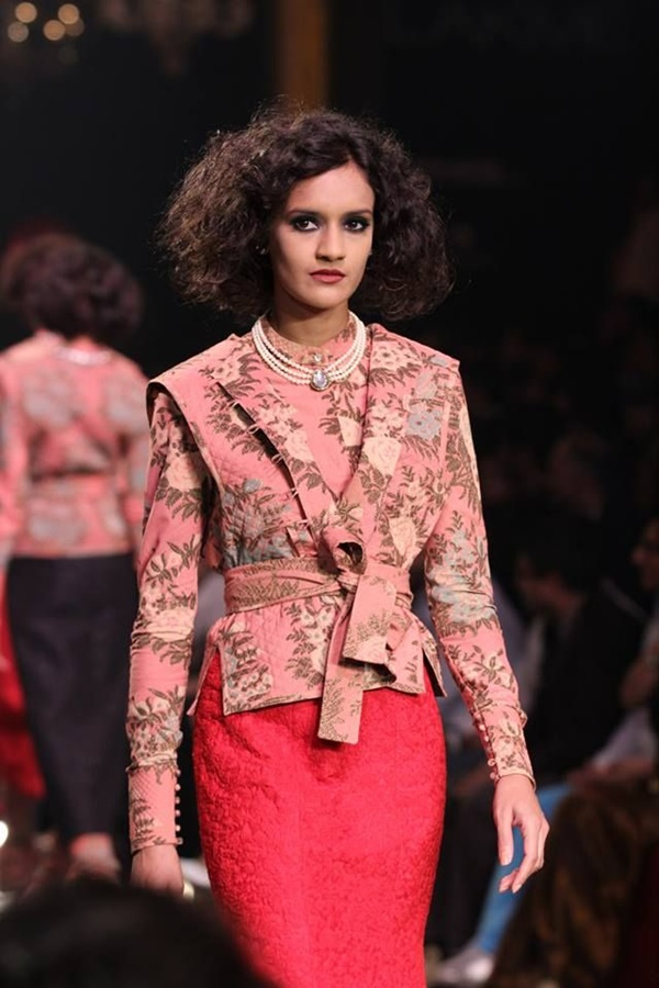 Sabyasachi Mukherji Collection and Designs8