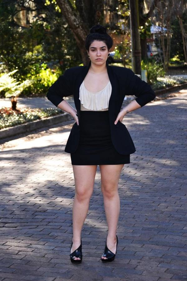 Sexy Curvy Girl Fashion Outfits and Ideas2