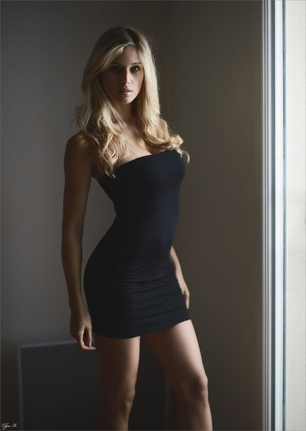 Tips and Tricks to look sexy in Short Dresses 1