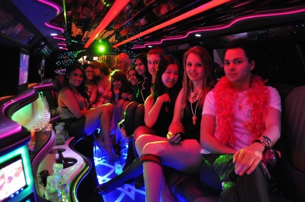 Things to know before attending a night out party6