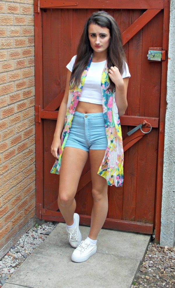 Styling Ideas to wear high waisted Shorts and Jeans0031