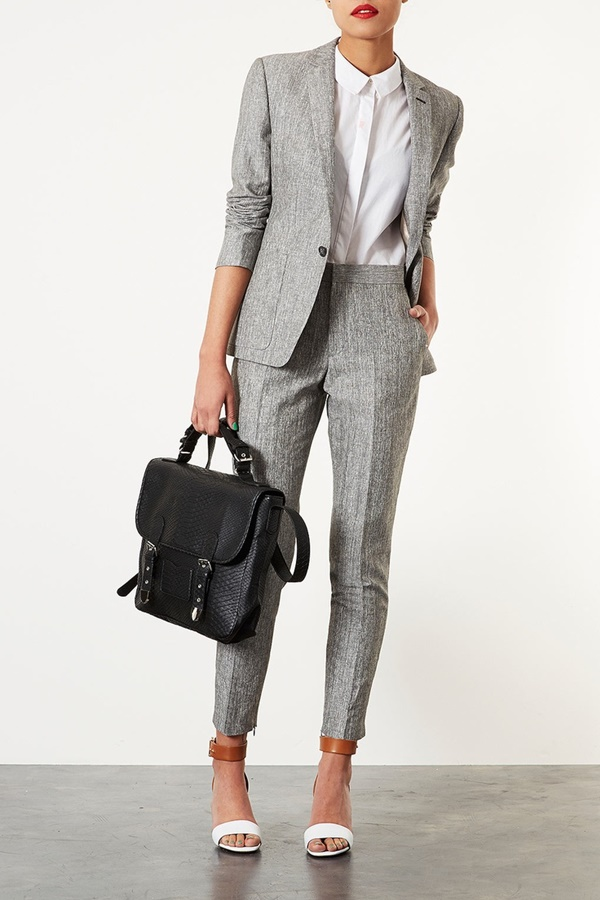 Chic and Haute Interview Outfits for women25