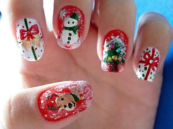 Christmas Nail art Designs and Ideas35