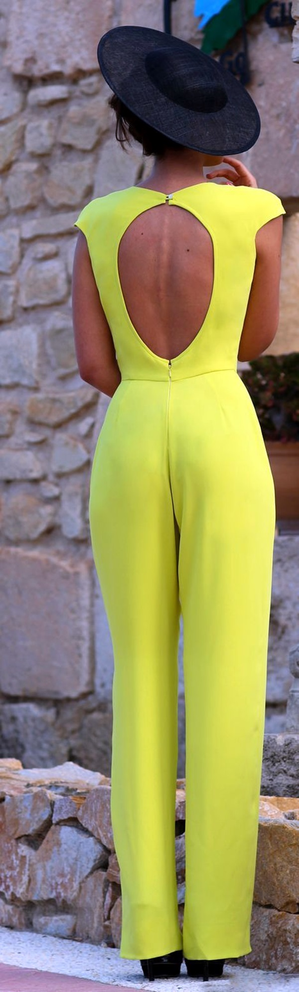 Neon Fashion Outfits for Teens (2)