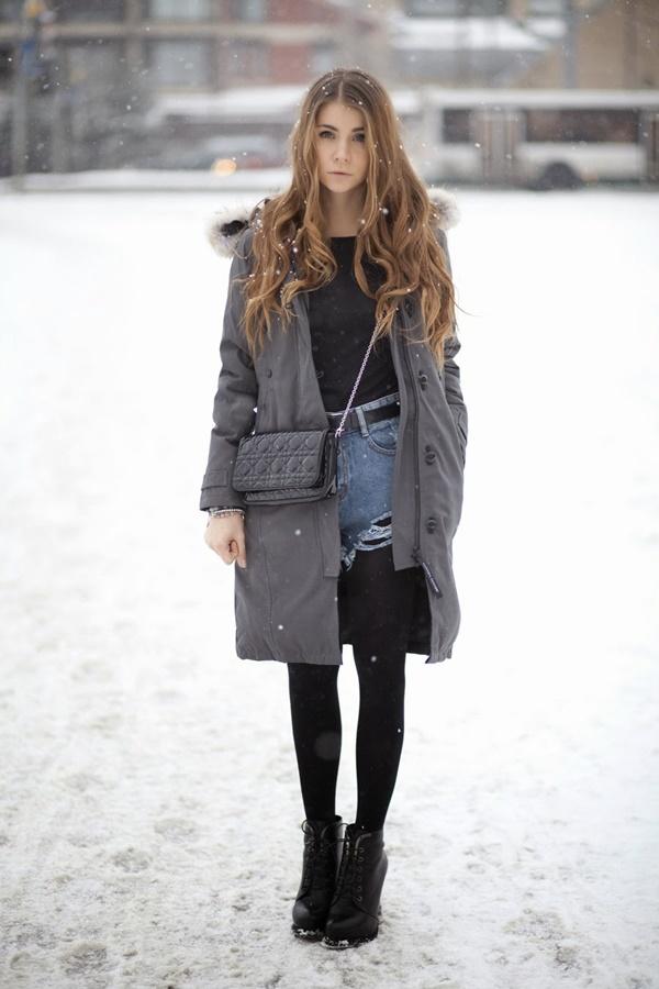 Stylish Ways to Wear Leggings in winter18
