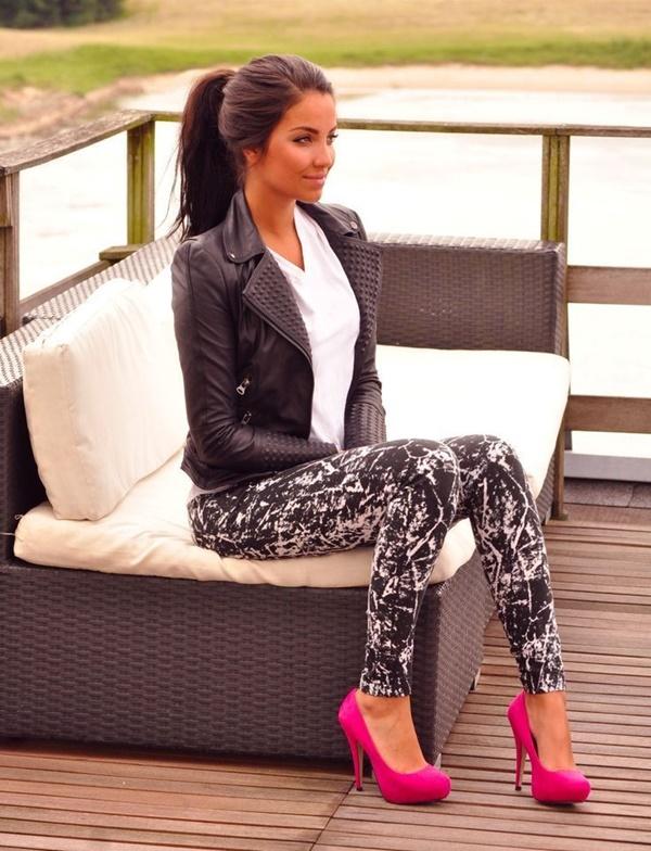 Stylish Ways to Wear Leggings in winter34