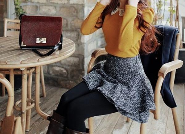 Stylish Ways to Wear Leggings in winter5