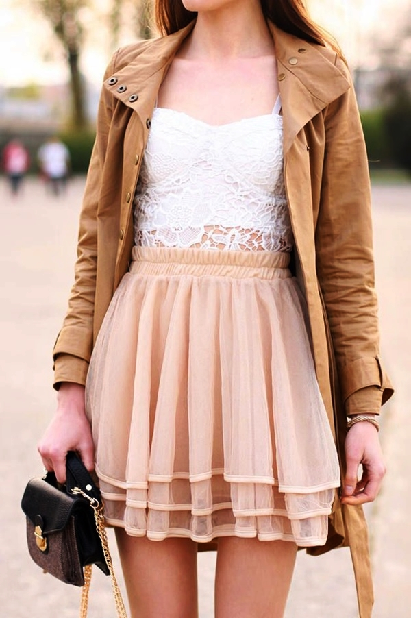 Unique Ideas to wear Summer Outfits in Winter10