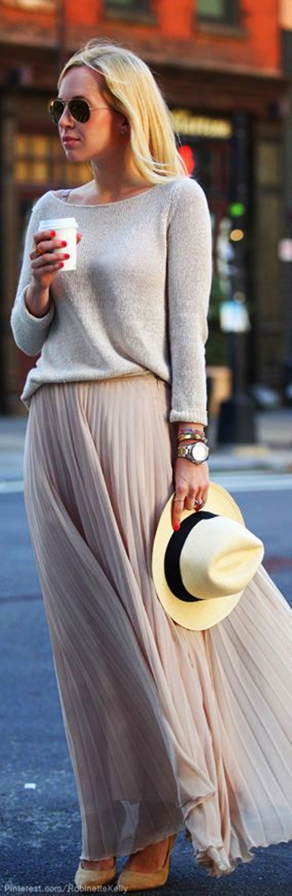 Unique Ideas to wear Summer Outfits in Winter27