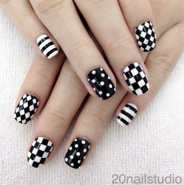Black and White Nails Designs (13)