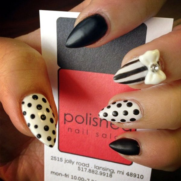 Black and White Nails Designs (15)