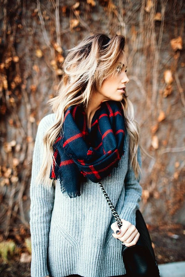 Scarf Outfit Ideas to try this Winter (16)