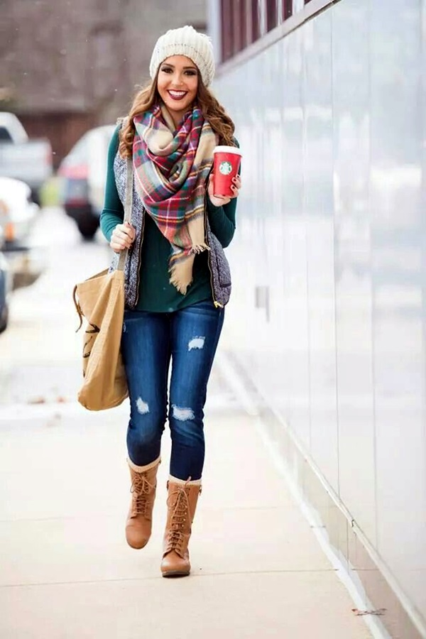 Scarf Outfit Ideas to try this Winter (17)