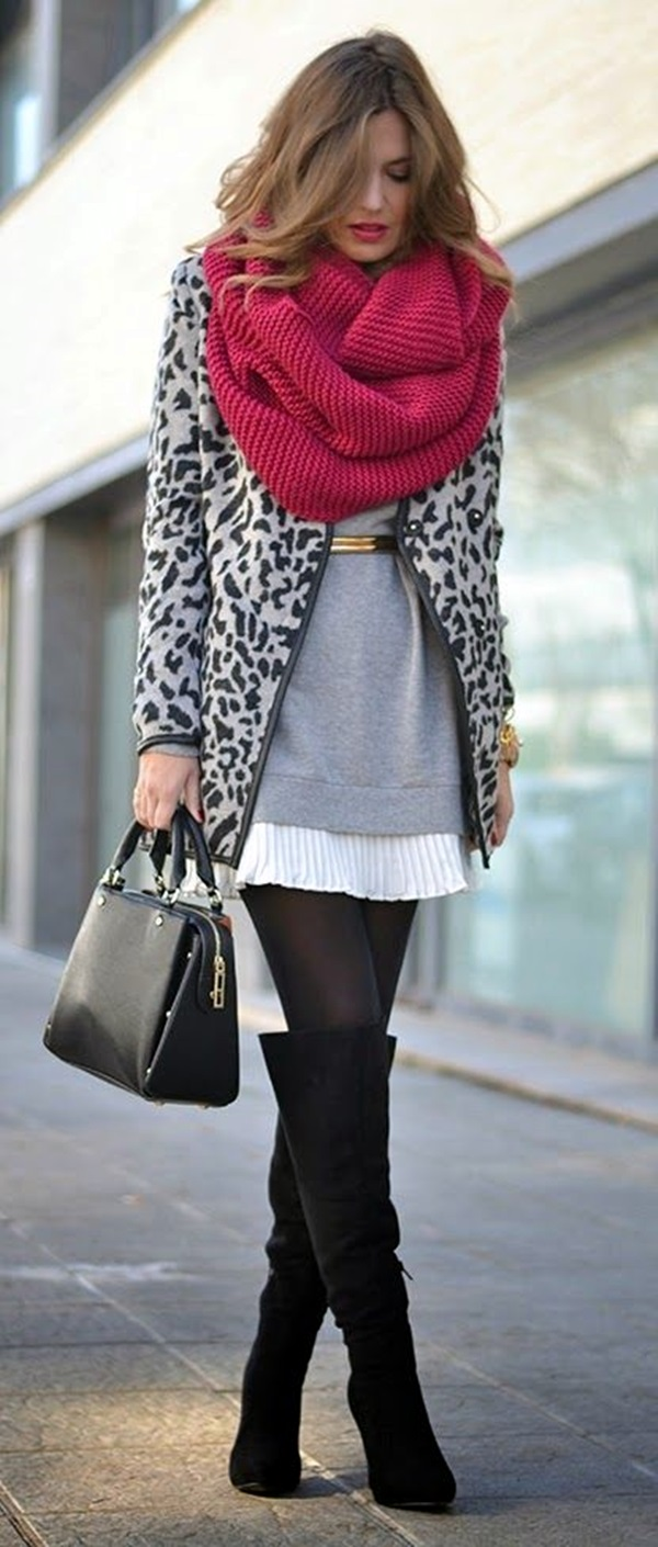 Scarf Outfit Ideas to try this Winter (23)