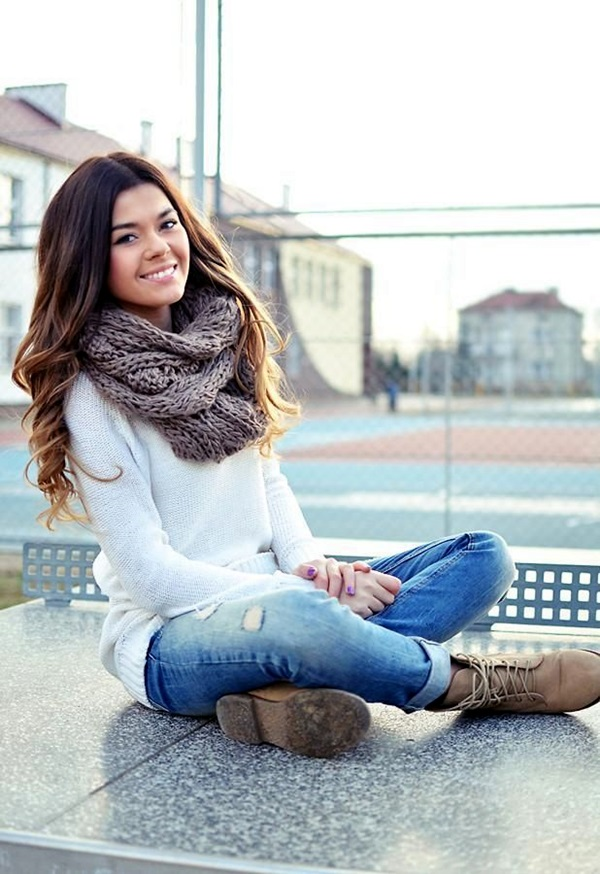 Scarf Outfit Ideas to try this Winter (24)