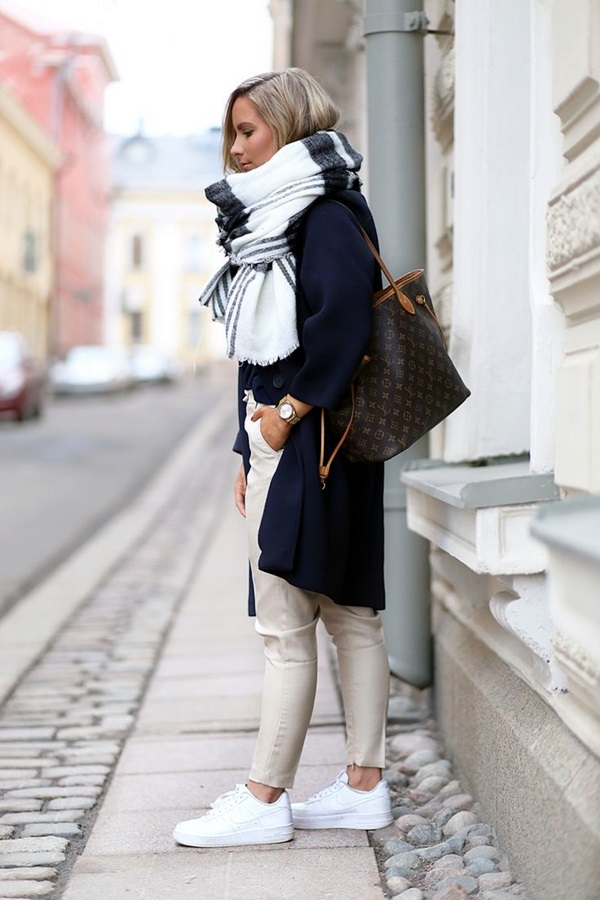 Scarf Outfit Ideas to try this Winter (3)