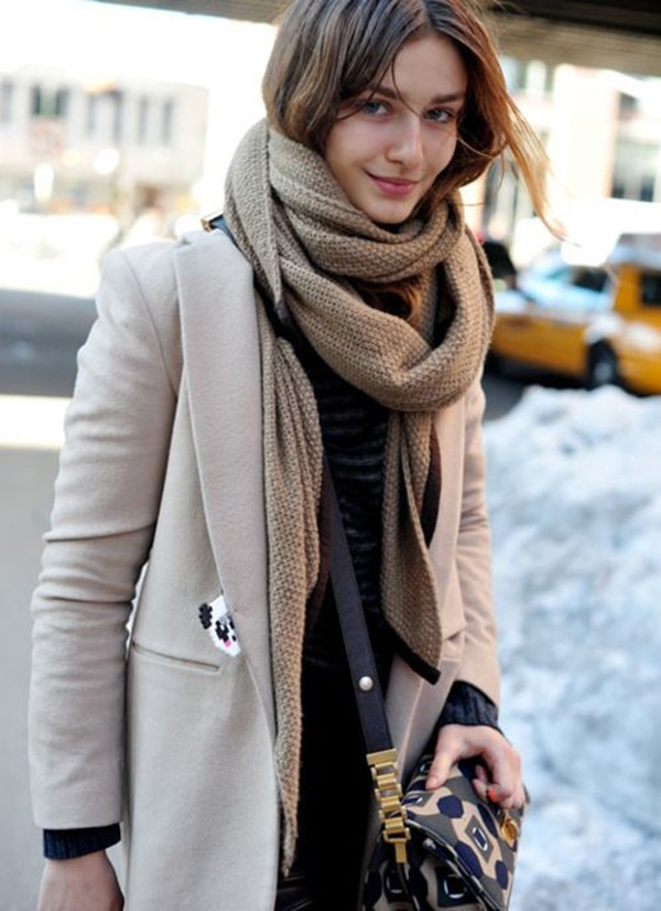 Scarf Outfit Ideas to try this Winter (9)