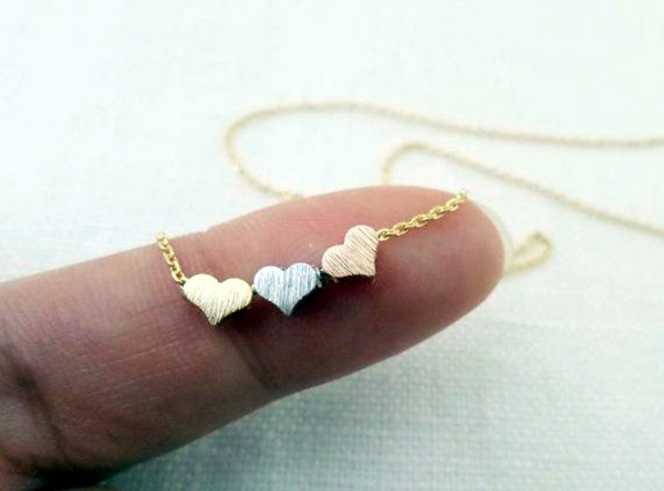 Cute and Simple Gold Necklace Designs (24)