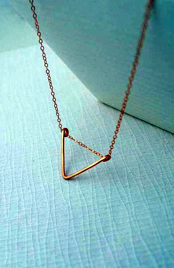 Cute and Simple Gold Necklace Designs (32)